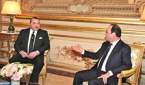 SM-le-Roi-s-entretient-a-Paris-avec-le-president-francais-M1-exp